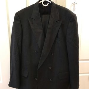 Burberry wool double breasted suit
